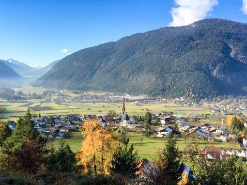 Tirolsplitter | Nassereith taucht aus dem Nebel